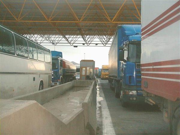 Υποχρεωτικά διόδια για βαρέα οχήματα βάζει ο Χρ. Σπίρτζης