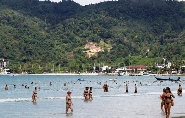 Απαγορεύονται οι τουρίστες σε νησί της Ταϊλάνδης