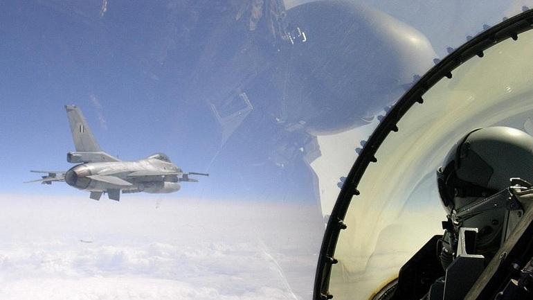 Ζητούν αποζημίωση από Έλληνα πιλότο για κατάρριψη τουρκικού F16 με πύραυλο!