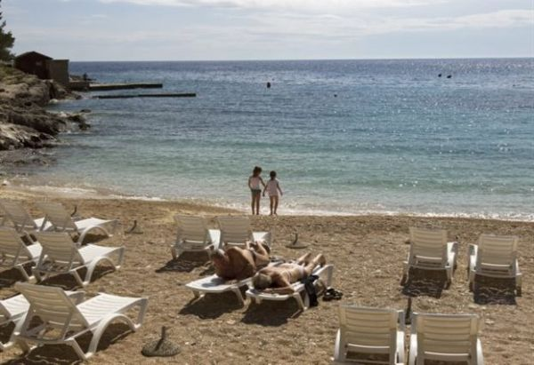 Ποινή φυλάκισης για τους κλέφτες άμμου από τις παραλίες της Κριμαίας