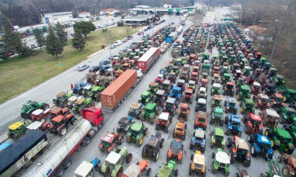 Αγρότες: «Μόλις τελειώσουμε τις δουλειές μας θα ξαναβγούμε στα μπλόκα»