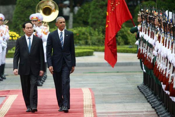 Στο Βιετνάμ ο Ομπάμα εν μέσω κλιμακούμενης έντασης στη Νότια Σινική