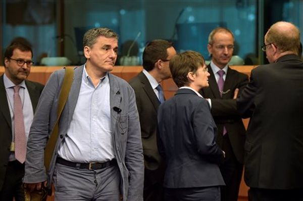 Eurogroup: Τμηματική εκταμίευση και συμφωνία για το χρέος