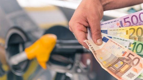 Βενζινοπώλες: Πλήγμα για το σύνολο της αγοράς οι αυξήσεις στα καύσιμα