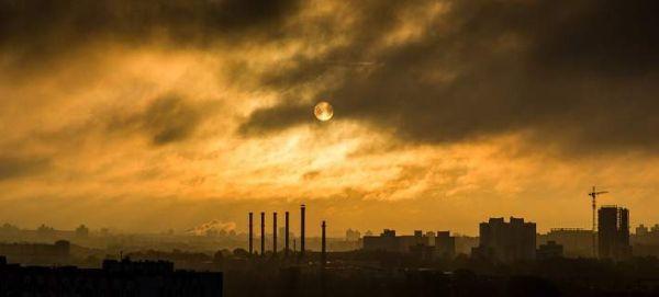 Η ατμοσφαιρική ρύπανση ανεβάζει σάκχαρο και χοληστερόλη