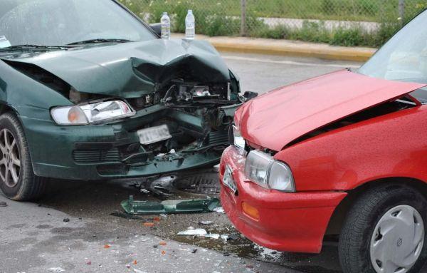 Σύγκρουση οχημάτων στην Παρασκευοπούλου
