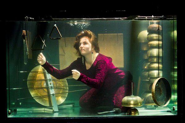 AquaSonic: Ένα... υποβρύχιο συγκρότημα (βίντεο)