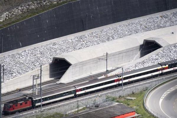 Η Ελβετία εγκαινιάζει τη μεγαλύτερη σήραγγα του κόσμου