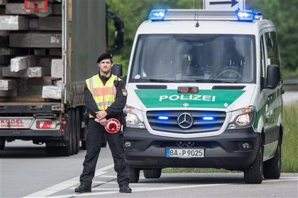 Συνελήθησαν τρία άτομα στη Γερμανία, «σχεδίαζαν τρομοκρατικές επιθέσεις»