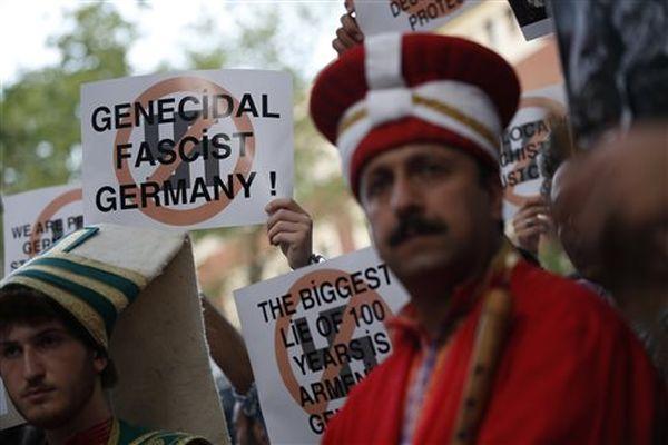 Κωνσταντινούπολη: Αποκλεισμός του γερμανικού προξενείου για το φόβο επεισοδίων