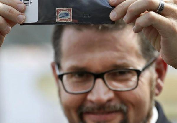 Σπάνιο κλεμμένο γραμματόσημο επεστράφη μετά από 60 χρόνια