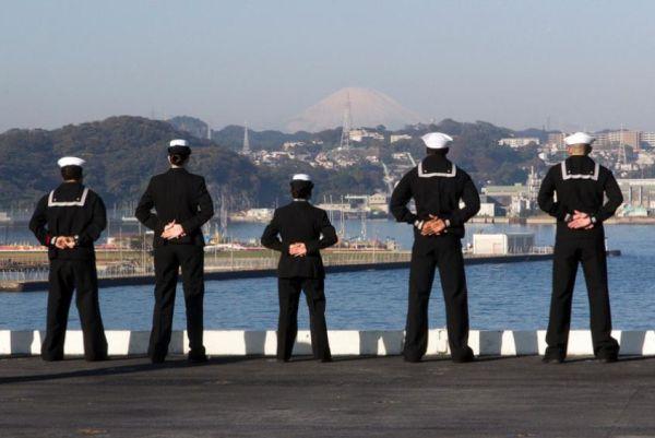 Τέλος οι μεθυσμένες νύχτες στην Ιαπωνία για τους αμερικανούς ναύτες