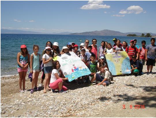 Μαθητές καθάρισαν την παραλία στα Πλατανίδια