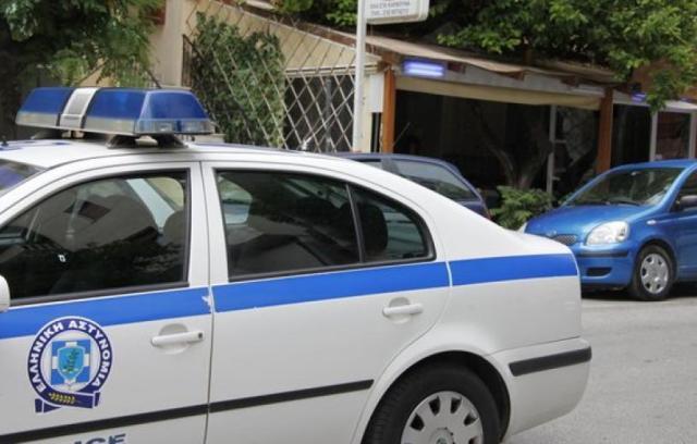 Επιτέθηκε σε αστυνομικό στα Τρίκαλα. Απρόσμενη τροπή σε καβγά αδερφών