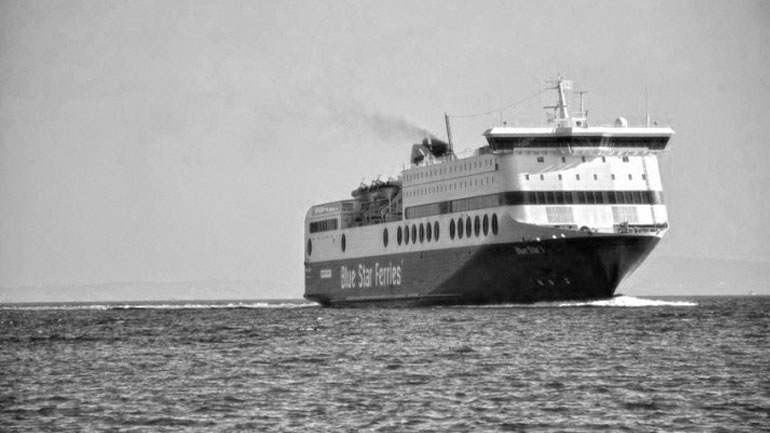 Σύρος: Βουτιά θανάτου από το κατάστρωμα πλοίου