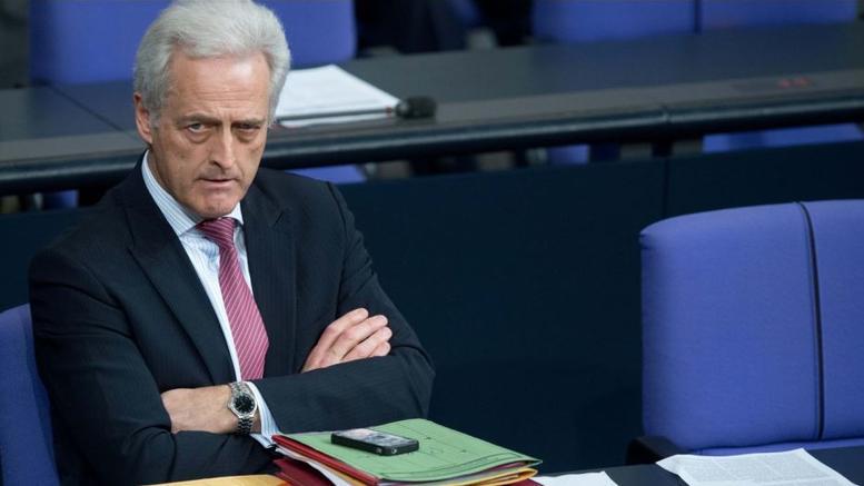 Ραμζάουερ: Ζητάει και τα ρέστα για το «βρωμιάρη Ελληνα»