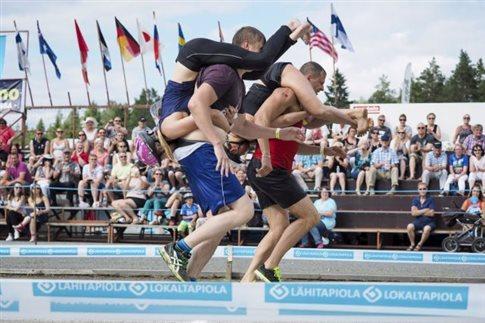 Παγκόσμιο πρωτάθλημα μεταφοράς... συζύγου στην Φινλανδία