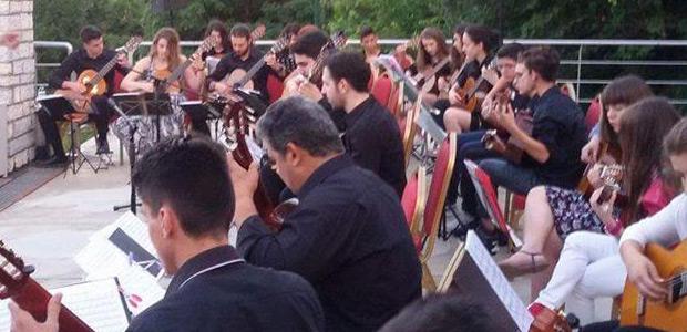 Συγκίνησε η Κιθαριστική Ορχήστρα Θεσσαλίας