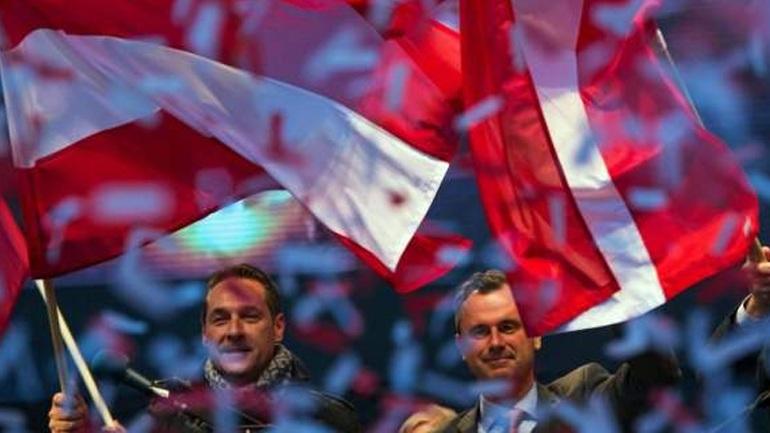 Αυστρία: Με επαναλήψεις των προεδρικών εκλογών απειλεί η Ακροδεξιά