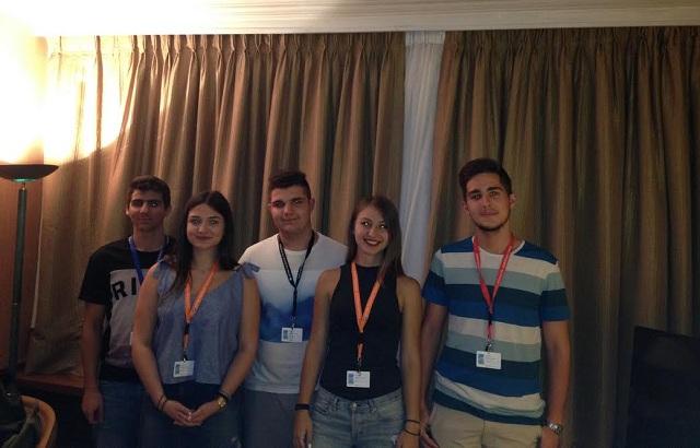 Στα έδρανα οι πέντε έφηβοι βουλευτές από τη Μαγνησία
