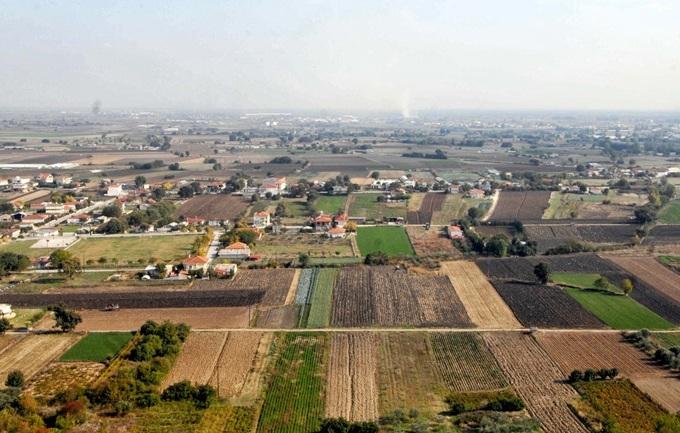 Μετατρέπουν τα οικόπεδα σε χωράφια