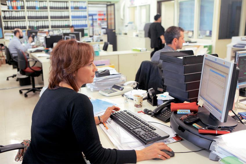 36.000 προσλήψεις ανέργων με 8μηνες συμβάσεις