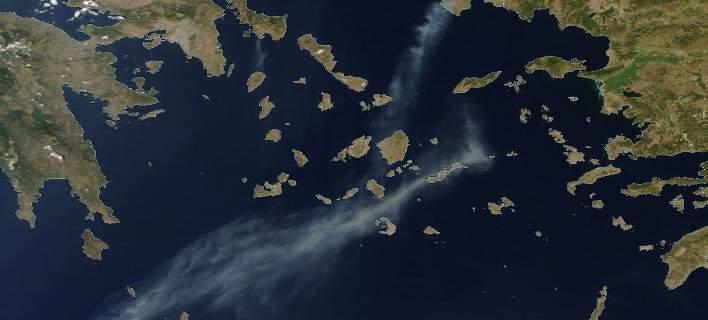 Φωτογραφία της NASA: Ως την Κρήτη ο καπνός από τη φωτιά στη Χίο