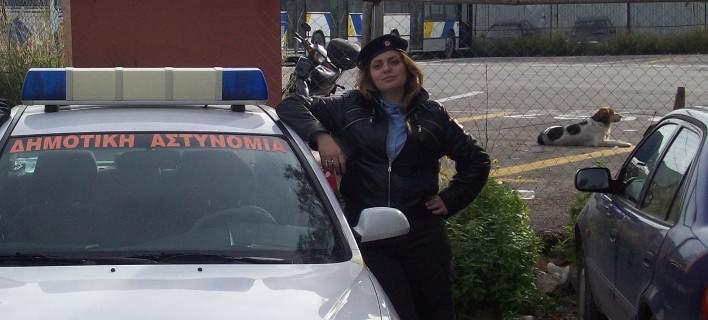 Πέθανε 34χρονη δημοτική αστυνομικός. Την είχε χτυπήσει ΙΧ που έκανε κόντρες