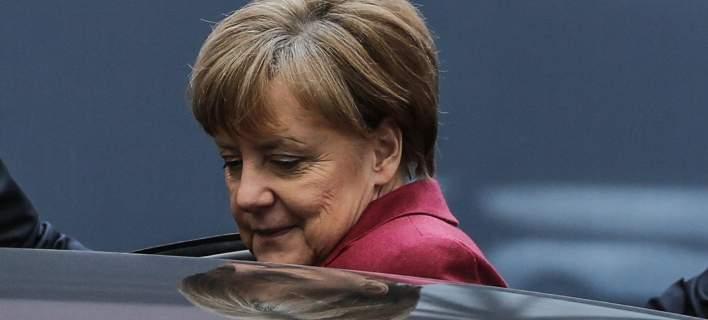 Η πλειονότητα των Γερμανών απορρίπτει την πολιτική ασύλου της Μέρκελ
