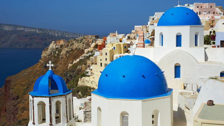 Mαγεμένο το Paris Match από τα ελληνικά νησιά