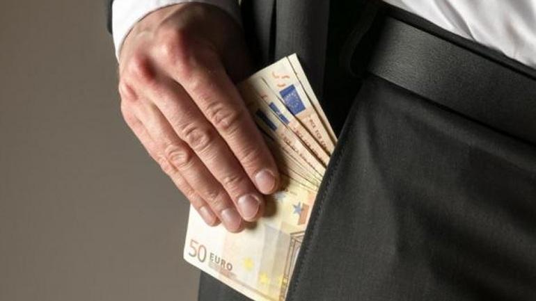 Σύλληψη δημοτικού υπαλλήλου για δωροληψία