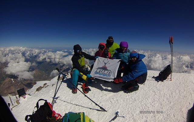 Ορειβάτες από Βόλο και Αθήνα στην υψηλότερη κορυφή της Ευρώπης