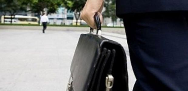 Ελεγκτές γράφουν και... περαστικούς στη Μαγνησία