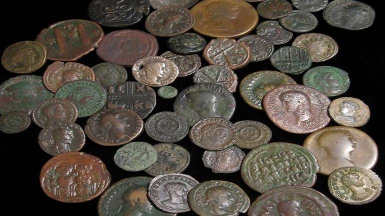 «Μπλόκο» στα Τρίκαλα για 44χρονο που ταξίδευε με πεπαλαιωμένα νομίσματα