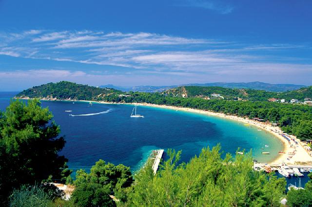 Στις δέκα καλύτερες ελληνικές παραλίες οι Κουκουναριές Σκιάθου