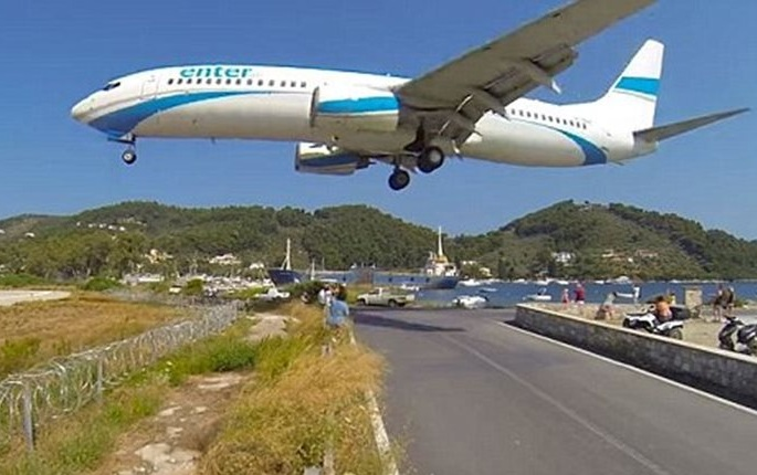Διεθνές αφιέρωμα στο αεροδρόμιο της Σκιάθου