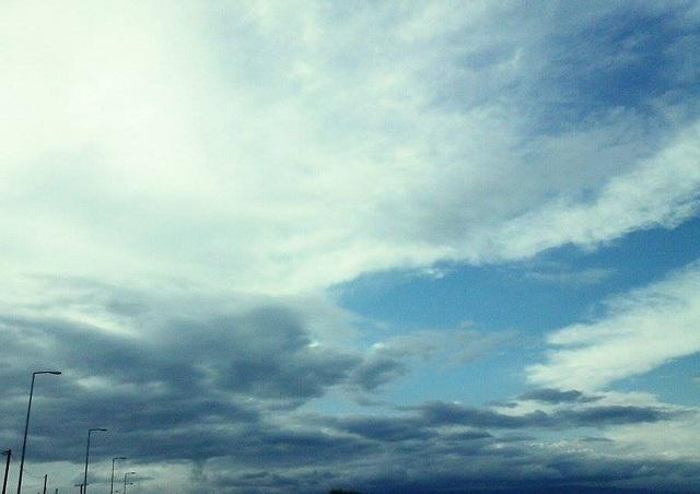 Έρχονται καταιγίδες & άνεμοι. Πού θα χτυπήσει η κακοκαιρία