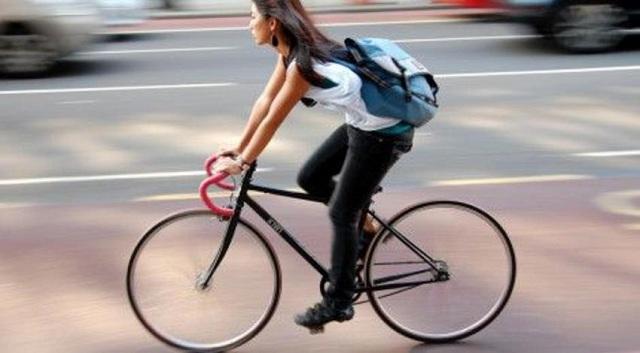 Οι οδηγοί I.X. είναι τέσσερα κιλά βαρύτεροι από τους ποδηλάτες