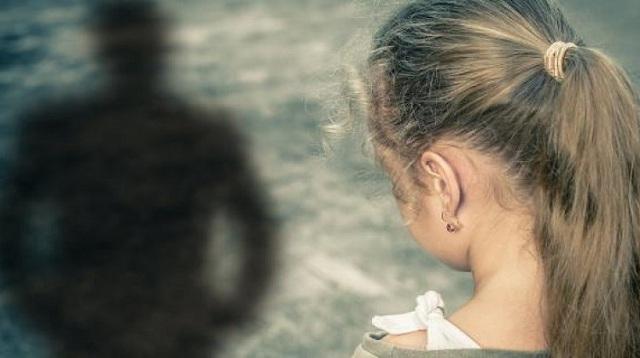 Στη φυλακή ο πα-τέρας για τον πετροβολισμό της 13χρονης κόρης του