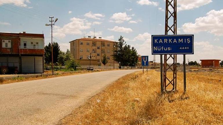 Εκκενώνει μεθοριακή πόλη με τη Συρία η Τουρκία