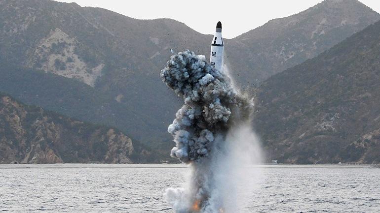 Βόρειος Κορέα: Εκτόξευσε βαλλιστικό πύραυλο από υποβρύχιο