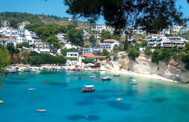 Δημοφιλή νησιά για οικογενειακές διακοπές Σκιάθος και Αλόννησος