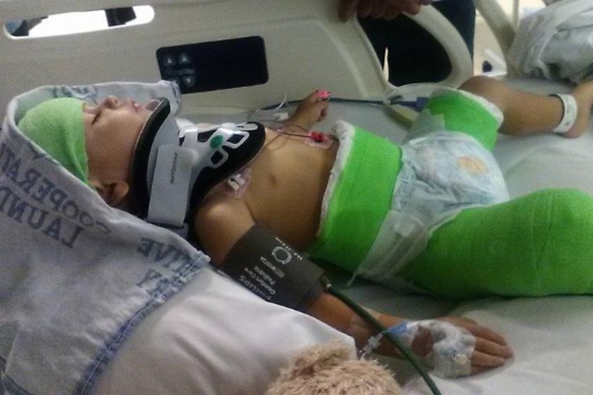 Προσπάθησε να σκοτώσει το 2χρονο γιο του βγάζοντάς του τη ζώνη ασφαλείας