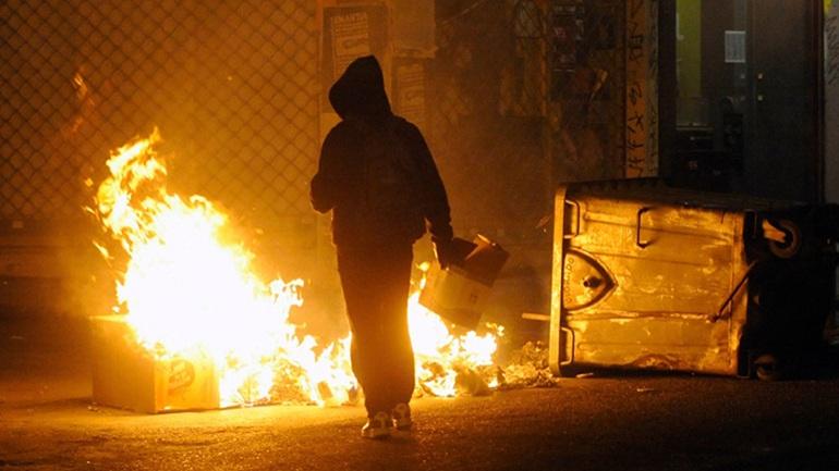 Νύχτα έντασης στην Πατησίων - Μολότοφ κατά αστυνομικών
