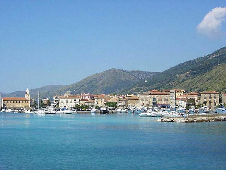 Ιταλία: Ένα χωριό αιωνόβιων αποκαλύπτει το μυστικό του