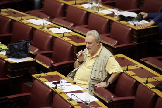 Τέλος και το ηλεκτρονικό τσιγάρο στους δημόσιους χώρους