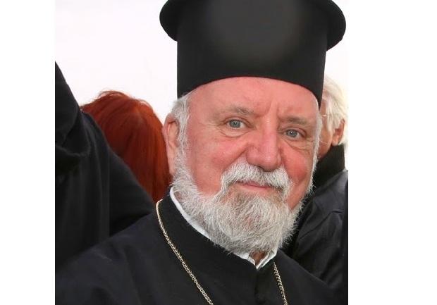 Με το Χρυσό Σταυρό τιμάται ο π. Απόστολος Μαλαμούσης