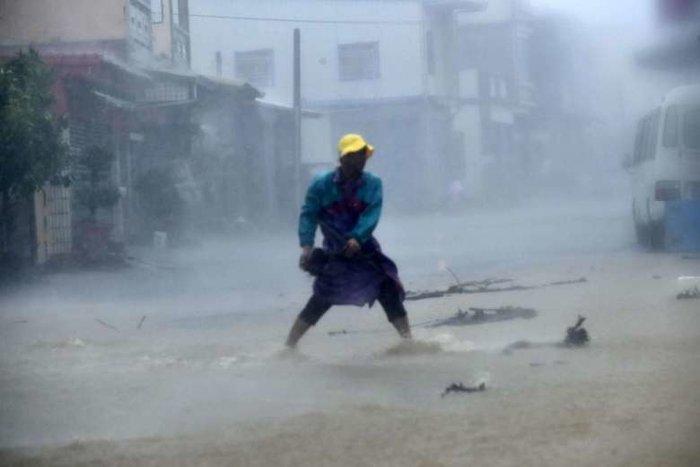 Ο σούπερ τυφώνας Meranti σφυροκοπά την Ταϊβάν