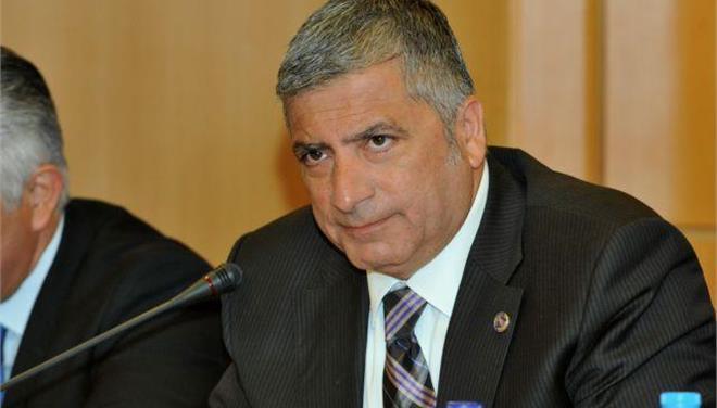 Επιστολή Πατούλη στους δημάρχους για την απορρόφηση 326 εκ. ευρώ για ληξιπρόθεσμες οφειλές