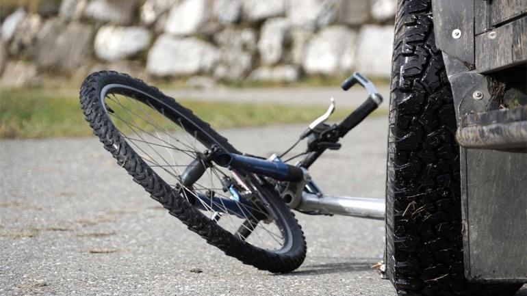 Αυτοκίνητο παρέσυρε και σκότωσε 11χρονο που έκανε ποδήλατο